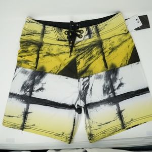 "NWT Oakley Mesh Swim Trunks Board Shorts 19"" 33"